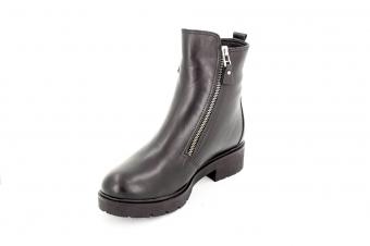 Ботинки женские 825 01